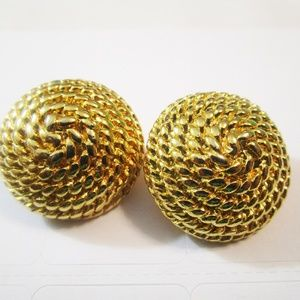Jewelry - Vintage, Large Goldtone Dome Clip On Earrings